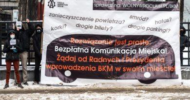 Wrocław – Federacja Anarchistyczna zablokowała ulice we Wrocławiu żądając Bezpłatnej Komunikacji Miejskiej! (Galeria zdjęć)